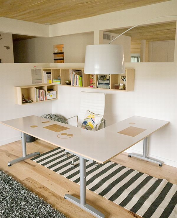 Beautiful-and-ergonomic-home-office-with-small-storage-space